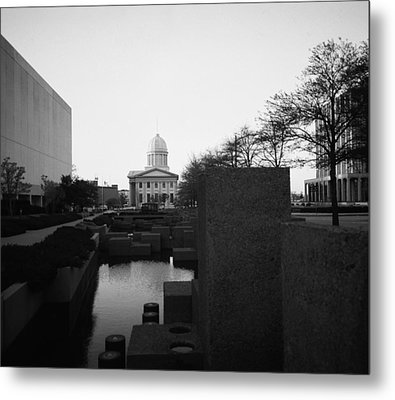 The Reflecting Pool And Memorial Of General Macarthur Metal Print by Thomas D McManus