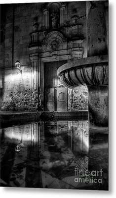 The Reflection Of Fountain Metal Print