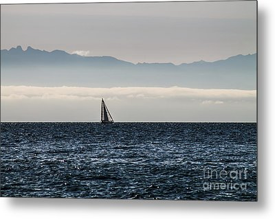 The Sail Boat Horizon Metal Print