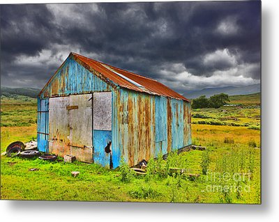 The Shed Metal Print by Lynne Sutherland