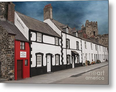 The Smallest House In Great Britain Metal Print by Juli Scalzi