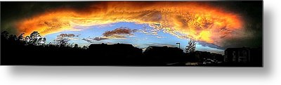 Metal Print featuring the photograph The Storm by Ed Roberts