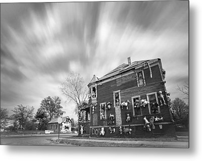 The Stuffed Animal Doll House At The Heidelberg Project - Detroit Michigan - Bw Metal Print