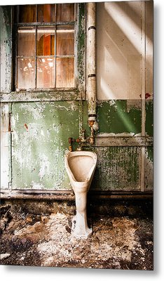 The Urinal Metal Print by Gary Heller