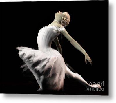 The White Swan - Ballerina Metal Print