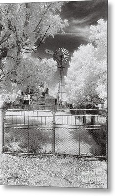 There's No Place Like Home Metal Print by Linda Lees