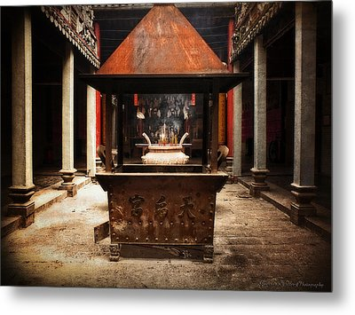 Metal Print featuring the photograph Thien Hau Temple  by Lucinda Walter