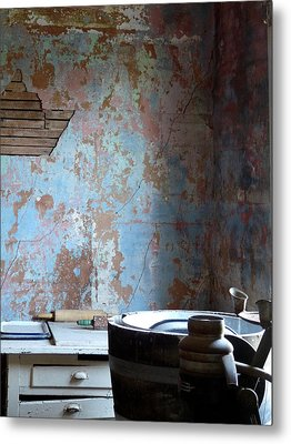 This Old House Metal Print by Terry Eve Tanner