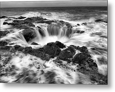 Thor's Well Monochrome Metal Print