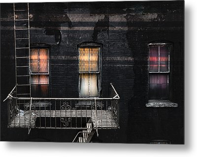 Three Windows And Ladder - As Seen From The Manhattan Bridge Metal Print by Gary Heller