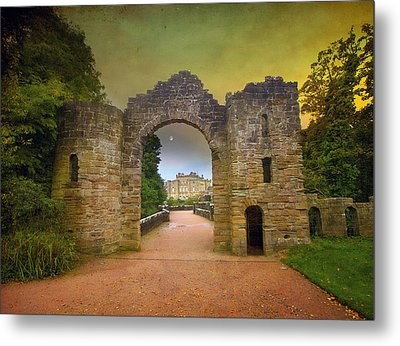 Through The Arch Metal Print by Roy  McPeak