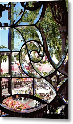 Through The Looking Glass Metal Print by Linda Shafer