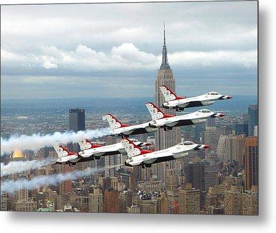Thunderbirds Over New York City Metal Print by U S A F