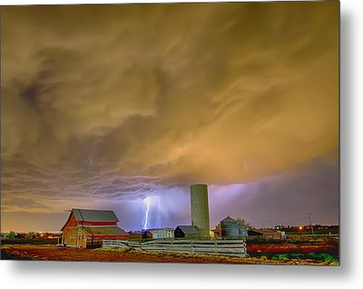 Thunderstorm Hunkering Down On The Farm Metal Print