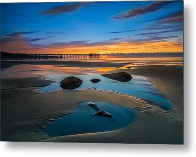 Tide Pool Reflections At Scripps Pier Metal Print by Larry Marshall