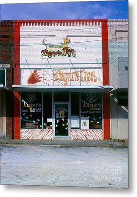 Tiger's Den  Watertown Tennessee Metal Print by   Joe Beasley