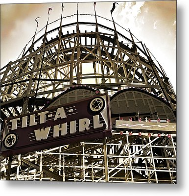 Tilt-a-whirl Metal Print by Larry Butterworth
