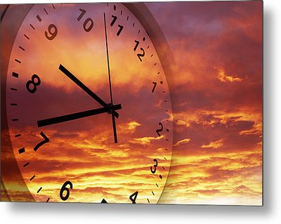 Time Passing Metal Print by Les Cunliffe