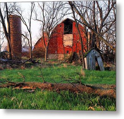 Timeless-color-barns Metal Print by Tom Druin