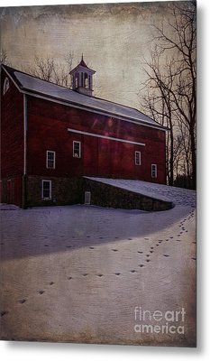 Metal Print featuring the photograph Tinicum Barn In Winter by Debra Fedchin