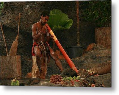 Tjapukai Playing The Didgeridoo Metal Print by Cecelia Helwig