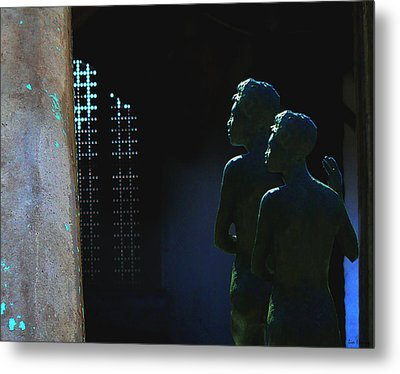 Metal Print featuring the photograph To The Light by Lin Haring