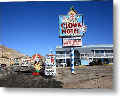 Tonopah Nevada - Clown Motel Metal Print by Frank Romeo