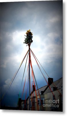 Top Of The Maypole Metal Print by Linda Prewer