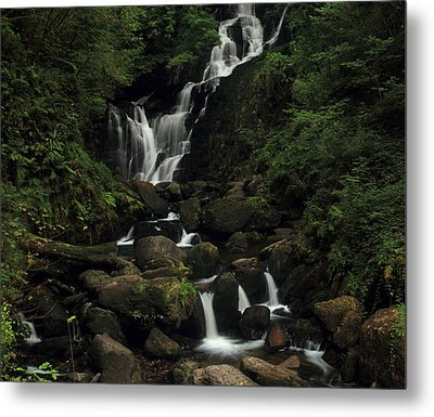 Torc Waterfall Metal Print by Peter Skelton