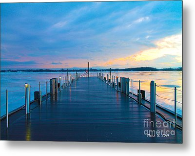 Toronto Pier During A Winter Sunset Metal Print