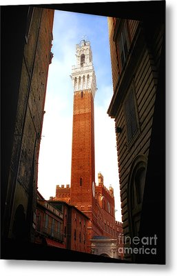 Torre Del Mangia Siena Metal Print by Mike Nellums