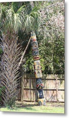 Totem Pole Metal Print by Paula Rountree Bischoff