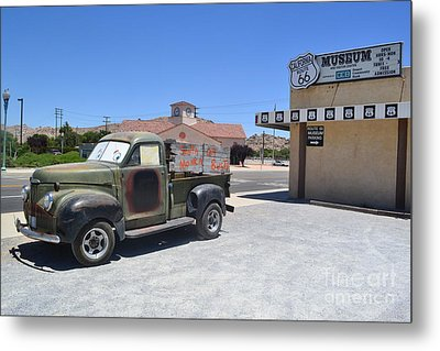 Metal Print featuring the photograph Tow Truck On Route 66 by Utopia Concepts