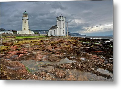 Toward Lighthouse  Metal Print by Gary Eason