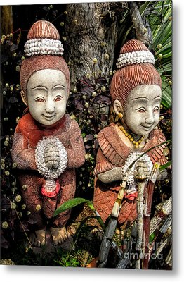 Traditional Thai Welcome Metal Print by Adrian Evans