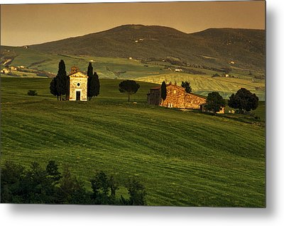 Tuscan Chapel And Farm Metal Print by Andrew Soundarajan