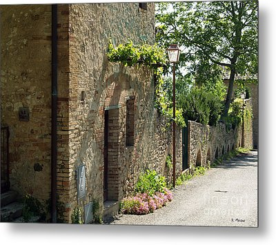 Tuscany Alley Italy Metal Print by Haleh Mahbod