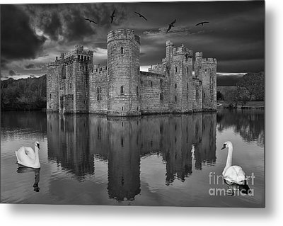 Twilight At Bodiam Castle Metal Print by Pete Reynolds