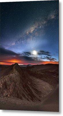 Twilight Over Valle De La Luna Metal Print by Babak Tafreshi