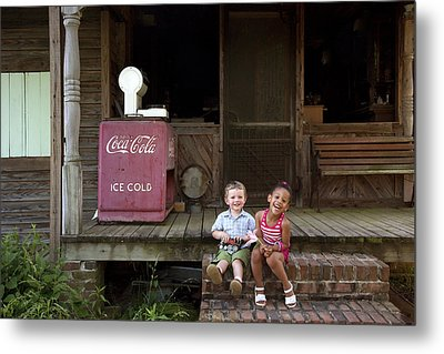 Two Young Children Pose On The Steps Of A Historic Cabin In Rural Alabama Metal Print