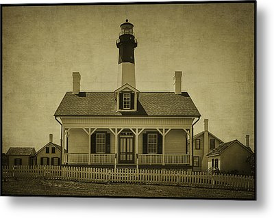 Tybee Lighthouse Metal Print by Priscilla Burgers