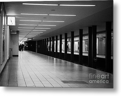 u-bahn platform and station Berlin Germany Metal Print
