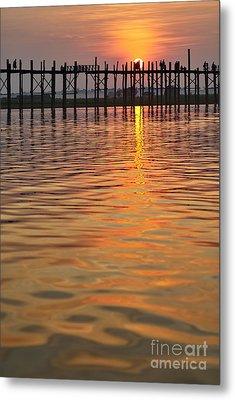 U Bein Bridge In Mandalay Metal Print by Juergen Ritterbach