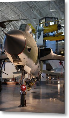 Udvar-hazy Center - Smithsonian National Air And Space Museum Annex - 121225 Metal Print by DC Photographer