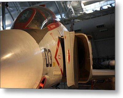 Udvar-hazy Center - Smithsonian National Air And Space Museum Annex - 121233 Metal Print by DC Photographer