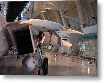 Udvar-hazy Center - Smithsonian National Air And Space Museum Annex - 121239 Metal Print by DC Photographer