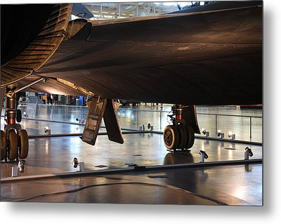 Udvar-hazy Center - Smithsonian National Air And Space Museum Annex - 121246 Metal Print by DC Photographer