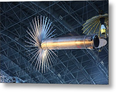 Udvar-hazy Center - Smithsonian National Air And Space Museum Annex - 121262 Metal Print by DC Photographer