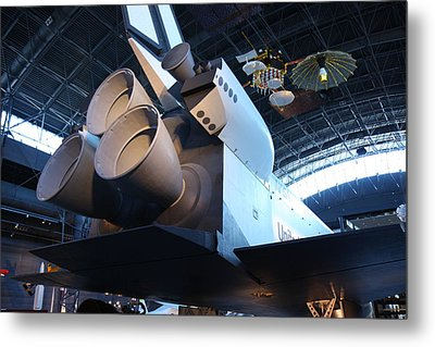 Udvar-hazy Center - Smithsonian National Air And Space Museum Annex - 121272 Metal Print by DC Photographer