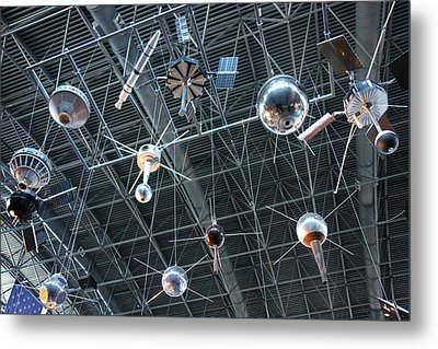 Udvar-hazy Center - Smithsonian National Air And Space Museum Annex - 121277 Metal Print by DC Photographer